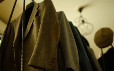 洋服がシワにならないハンガーの選び方