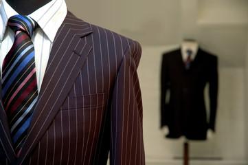 スーツのストライプ柄の選び方